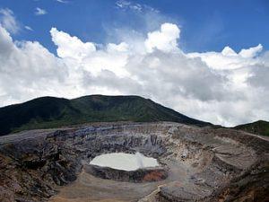 Volcán Batur y aguas termales